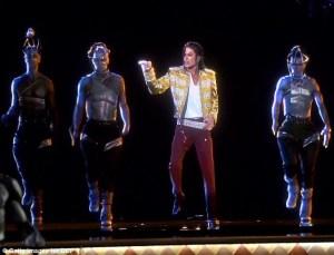 Photos + Download Videos (MP4 + 3Gp): Michael Jackson